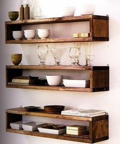 Pallet shelf gives vintage look to your home decor. Pallet liquor shelf can merge with any home decor and gives a old vinery look to intoxicate you. Diy Projects On A Budget, Diy Home Decor On A Budget, Diy Pallet Projects, Pallet Ideas, Pallet Wall Shelves, Shelves In Bedroom, Wood Shelves, Pallet Lounge, Diy Regal