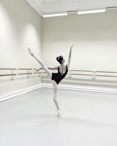 bunheadforever: primaballerina83: ouchpouchsaywhat: Vaganova student Maria Khoreva.from her ig. I think she is a rising star How