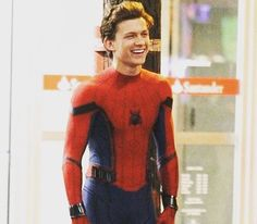 Holy damn tom holland is hot