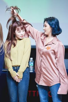 Wheein and Hwasa