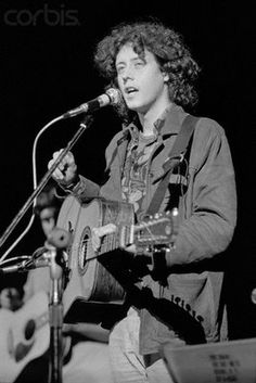 Arlo Guthrie, Woodstock, 1969 _______ Arlo was HUGE with the HIPPY world in the early 1970s.