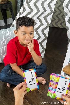 Jumpstart your child's learning with an easy-to-use pack of flashcards!