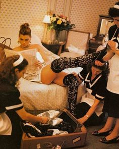 Carré Otis photographed Michael Roberts, Vogue Italia September 1991 V Luxe Life, Mode Editorials, How To Pose, Fashion Mode, Christy Turlington, Rich Girl, Vintage Vogue, Madame, Luxury Lifestyle