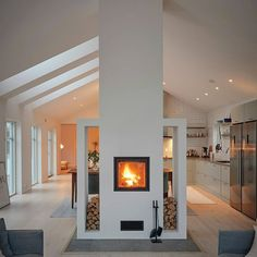 16 Gorgeous Double Sided Fireplace Design Ideas, Take A Look ! Gorgeous double sided fireplace kitchen Design Ideas indoor outdoor For Efficiency And Attractiveness, pictures, remodel and decor. Home Fireplace, Fireplace Design, Fireplace Kitchen, Fireplace Ideas, Fireplace Modern, French Interior, Interior Design, Design Room, Diy Interior