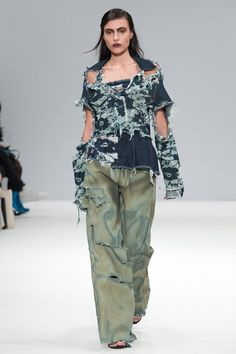 Swedish School of Textiles - Spring/Summer 2016 Ready-To-Wear - LFW (Vogue.co.uk)