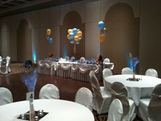Teddy bear centerpieces with helium balloon table bouquets 3.