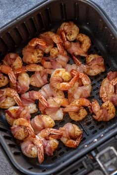If you ever needed a reason to buy an air fryer, this is it! You are only 4 ingredients and a few minutes away from Air Fryer Bacon Wrapped Shrimp which makes a delicious appetizer or a quick snack or dinner! Air Fryer Dinner Recipes, Air Fryer Recipes Easy, Bacon Wrapped Shrimp, Air Fryer Fish, Air Frier Recipes, Air Fried Food, Bacon On The Grill, Stuffed Jalapenos With Bacon, Cooking Recipes