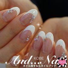 Wedding Nails-A Guide To The Perfect Manicure – NaiLovely White Nails, Red Nails, Bling Wedding Nails, Korean Nail Art, Silver Nail Art, Transparent Nails, Diy Nail Designs, Elegant Nails, Pastel Nails