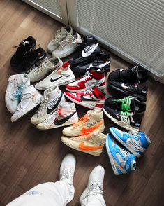 nike off white Sneakers Mode, Best Sneakers, Sneakers Fashion, Shoes Sneakers, Hypebeast Sneakers, Shoes Jordans, White Sneakers, Sneaker Outfits, Sneaker Boots