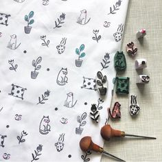 The lining for the beautiful bag collaboration with Had so much fun to create these stamps and was so surprised it worked so… Stamp Printing, Screen Printing, Printing On Fabric, Stencil, Stamp Carving, Handmade Stamps, Fabric Stamping, Illustrators On Instagram, Tampons