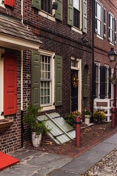 Elfreth's Alley, Philadelphia - With 300 years of history, this is America's oldest continuously inhabited residential street. Located in Philadelphia's Old City neighborhood, the alley is a National Historic Landmark and a must-see when visiting.