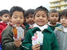 El centro Hipercor Puerto Venecia Zaragoza se ha sumado al programa solidario '1 Kilo de Ayuda para Educación' de la Fundación Altius Mano Amiga.