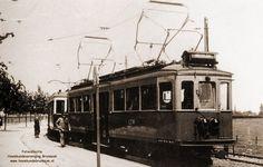 Brunssum: Het eindpunt van de tramweg lag aan de Schinvelderstraat. De tram staat klaar voor vertrek naar Heerlen. In 1949 is de tramlijn opgeheven. De foto dateert uit de 40er jaren.