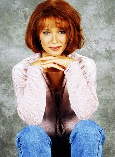 --> Lauren Holly Promotional Photos for Picket Fences Lauren Holly, Picket Fences, Gorgeous Women, Beautiful, Ncis, Classic Beauty, Nostalgia, Cinema, Wallpapers