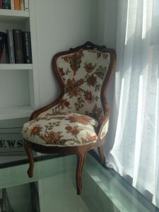 Our special chair! hope you like it. Nuestra butaca especial! tapizada por nosotros mismos espero que os guste.