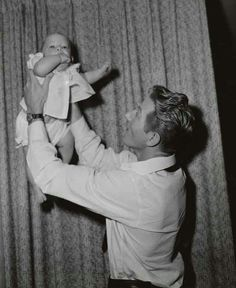 Danny Kaye and his son... so sweet! :)