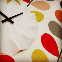 What time is it? Almost time for our holiday!  Living Lounge is CLOSED from 10 until 20 Sept.  #clock #white #ceramic #origami #blackandwhite #orlakiely #wallpaper #orlakielywallpaper #colourful #leaves #multistem #holiday #closed #livinglounge #parijsstraatleuven  #leuven #seeyousoon