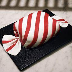 Marianne-karkkikakun sydän on Marianne-rakeilla maustettu suklaakääretorttu. Recipies, Food And Drink, Tips, Mascarpone, Recipes, Rezepte, Hacks