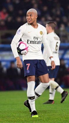 Kylian Mbappé - Paris St-Germain Away Kit Messi Y Ronaldinho, Ronaldo Juventus, Neymar Jr, Cristiano Ronaldo, Best Football Players, Football Boys, Soccer Players, Mbappe Psg, France Football