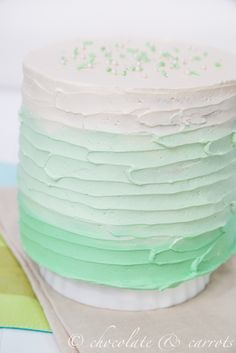 Green Ombre Cake so pretty for a wedding cake. Love to see cupcakes to match… Pretty Cakes, Beautiful Cakes, Amazing Cakes, Ombre Cake, Cake Cookies, Cupcake Cakes, Cupcake Piping, Mint Green Cakes, Dessert Original