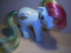 My Little Ponyt, niinkutsuttu Generation 1. Kunto ei tarvitse olla priima kunhan harjakset on tallella ja ponit ovat suht siistejä.
