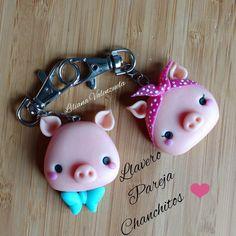 Pig charm Polymer Clay Kawaii, Polymer Clay Animals, Fimo Clay, Polymer Clay Charms, Polymer Clay Art, Ceramic Clay, Polymer Clay Jewelry, Clay Art Projects, Polymer Clay Projects