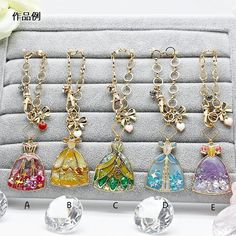 Resin Jewelry, Jewelry Crafts, Kawaii Wigs, Style Ancien, Kawaii Jewelry, Gem Diamonds, Resin Art, Uv Resin, Diy Resin Crafts