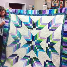 """799 Likes, 22 Comments - Missouri Star Quilt Co (@missouriquiltco) on Instagram: """"I just love the colors in this gorgeous Binding Tool Star Quilt!! Have you tried this pattern?…"""""""