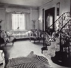 Actress Hope Hampton's Park Avenue apartment designed by Lady Mendl (Elsie deWolfe).  Art & Decoration, 1937.