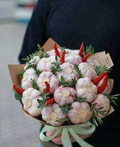 Haha this a nice arrangement to take to someone Deco Floral, Arte Floral, Floral Design, Food Bouquet, Candy Bouquet, Vegetable Bouquet, Flower Boxes, Flowers, Edible Bouquets