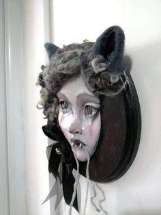 A clay and needle felt sculpt by Sam Crow Creature 3d, 3d Illustrations, Nine Lives, Curious Creatures, Needle Felting, Crow, Art Dolls, Sculpting, Halloween Face Makeup