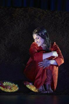 Lakmé de Léo Delibes à l'Opéra Comique, mis en scène par Lilo Baur. Photo © Marc Vanappelghem.