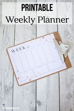 Printable Weekly Planner from BusyMommyMedia.com | This is a great layout for a weekly planner! What a great way to stay organized!
