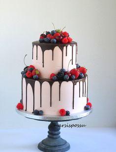 marjaisa ristiäiskakku Drip Cakes, Slumber Parties, Food Inspiration, Panna Cotta, Sweets, Baking, Ethnic Recipes, Desserts, Graduation