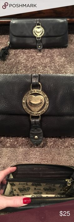 Juicy Couture Black wallet Juicy Couture Black wallet. Good condition! Has gold zipper and magnetic front flap.  Super cute. Juicy Couture Bags Wallets