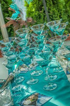 Синьо за шампанското с кюрасо