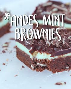 Andes Mint Mini Cheesecakes are the perfect make-ahead holiday dessert for a crowd! These delectable Easy Cake Recipes, Brownie Recipes, Easy Desserts, Sweet Recipes, Delicious Desserts, Dessert Recipes, Yummy Food, Mint Recipes, Snacks Recipes