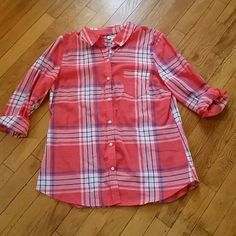 Plaid Old Navy button down Button down with full sleeves, sheer. Old Navy Tops Button Down Shirts