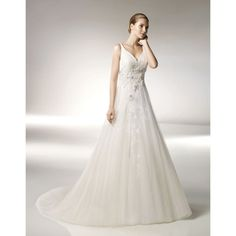 Ballroom Wedding Gowns with Tulle Romantic Medieval Wedding Dresses
