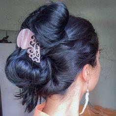 Long Bob Hairstyles, Indian Hairstyles, Bun Hairstyles, Eva Hair, Arabian Beauty Women, Long Indian Hair, Bridal Hair Buns, Beautiful Buns, Big Bun