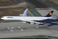 Airbus A340-642 aircraft picture. Such a looooooong plane!