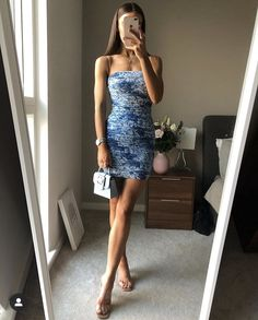 Classy Going Out Outfits, Strapless Dress, Glamour, Formal Dresses, Chic, My Style, How To Wear, Thursday, Change