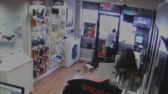 New Jersey Robbers Get Locked In Cellphone Store, Crowd Watches And Laughs