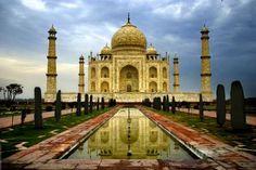 Her det nordiniske mausolæum Taj Mahal i delstaten Uttar Pradesh.