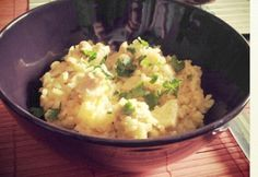 Curry-s rizses hús Curry, Cauliflower, Mashed Potatoes, Vegetables, Cooking, Ethnic Recipes, Food, Whipped Potatoes, Kitchen