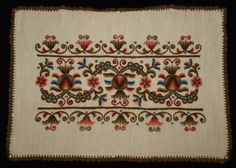 Tradtional Hungarian Folk Hodmezovasarhelyi Embroidered Linen Pillow Case from the Hungarian Embroidery, Folk Embroidery, Wool Thread, Linen Pillows, Pillow Cases, Unique Gifts, Handmade Items, Hungary, Pattern