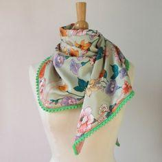 Hippe, tweezijdig draagbare sjaal van vintage sjaal - handmade chic