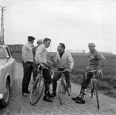 Robert Chapatte interviews the cyclist Jacques Anquetil. Paris-Roubaix recon 1960. André Darrigade (right), Jean Stablinski (behind Anquetil).