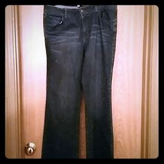 "Ladies Jeans Gently worn long jeans. 34 ""waist, 32"" inseam, 41"" Hips. Make me an offer! CAbi Jeans Boot Cut"