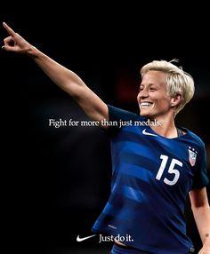 Girl Playing Soccer, Girls Soccer, Soccer Usa, Nike Soccer, Soccer Cleats, Soccer Sports, Motivational Soccer Quotes, Soccer Memes, Soccer Tips